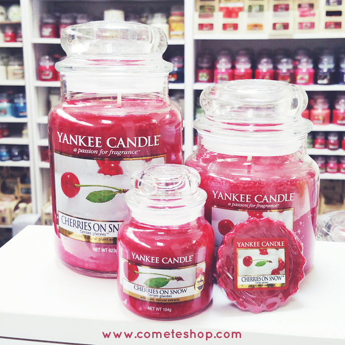 bougies parfum cherries on snow yankee candle en dition limit e d couvrir chez. Black Bedroom Furniture Sets. Home Design Ideas