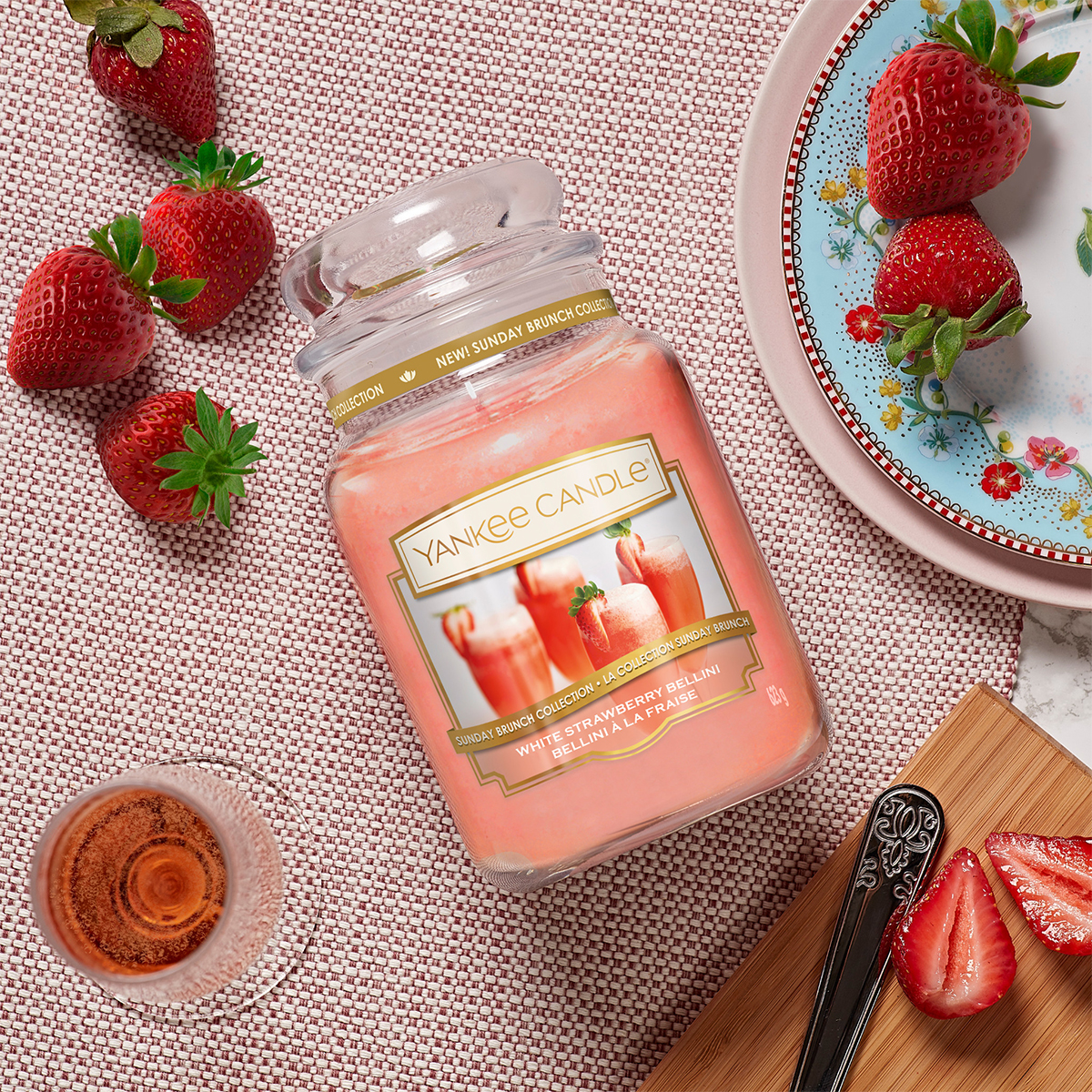 yankee candle Sunday Brunch white strawberry bellini